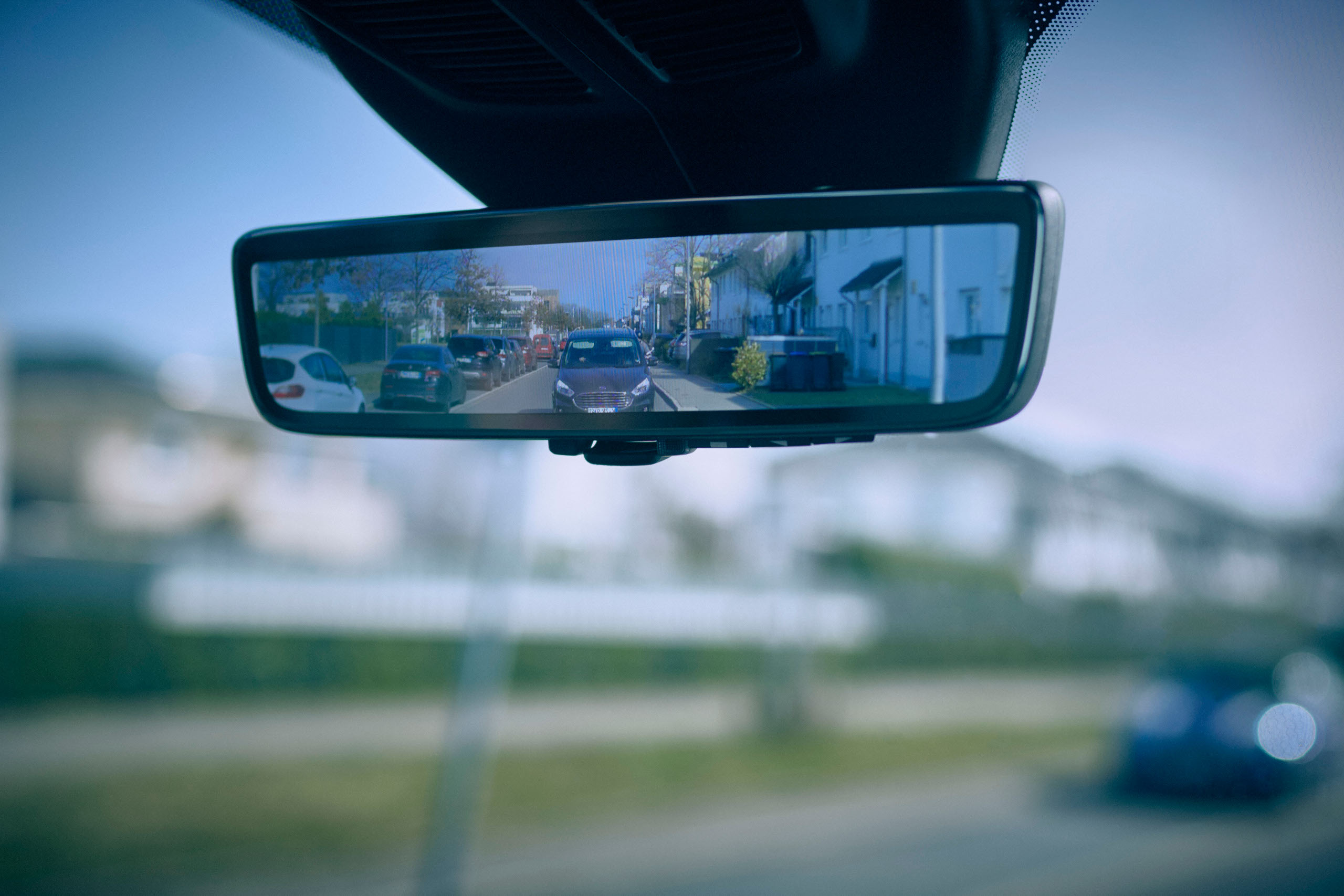 Ford Releases a Smart Mirror System to Aid Van Drivers