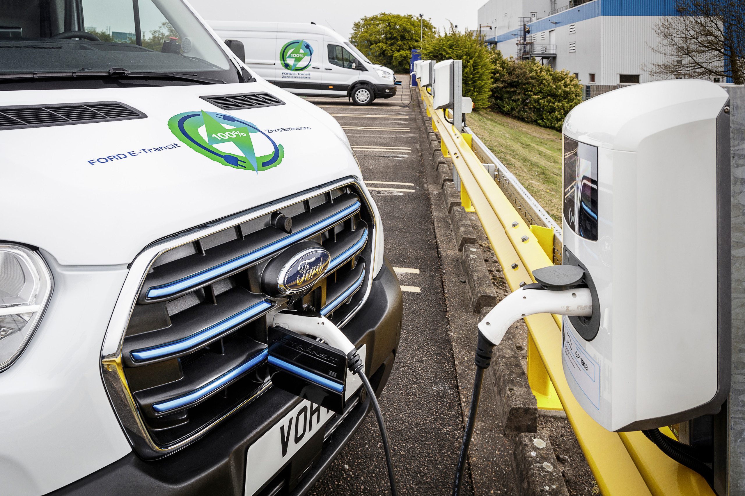 Ford Announce UK Trials for All-Electric E-Transit Van