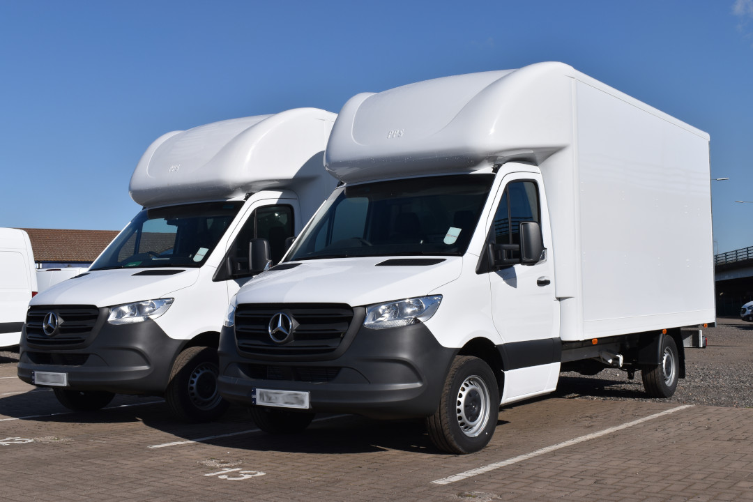 The Benefits of Leasing a Large Van